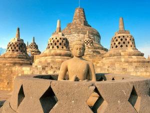 В храме Боробудур
