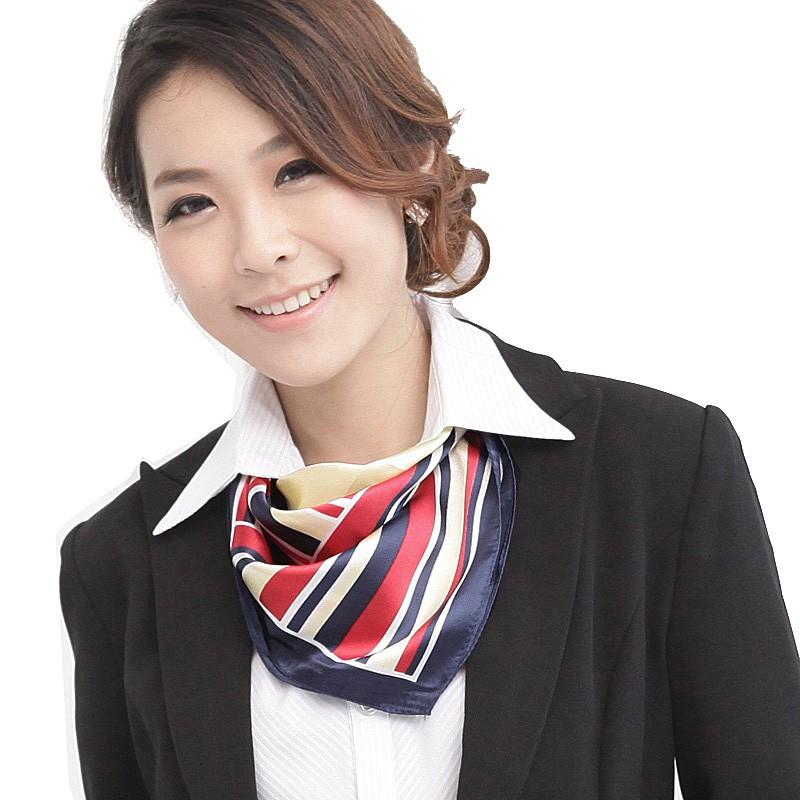 Шейный платок - яркий акцент в деловом облике