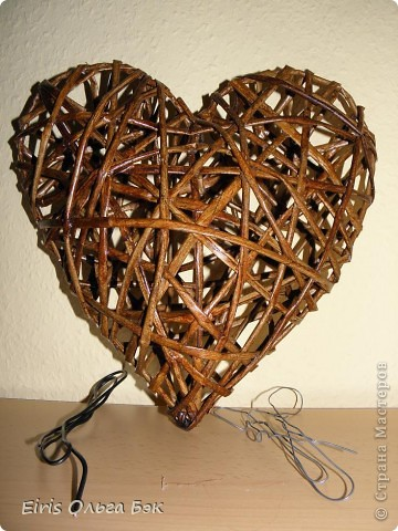 Плетение трубочками сердце