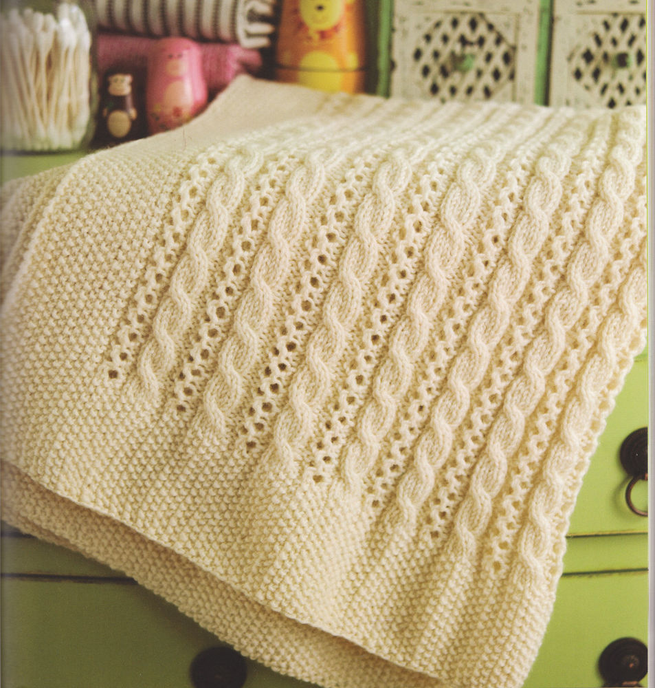 Нежное ажурное одеяло для малыша