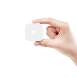 Малютка Xiaomi-Mi-Box-Mini1