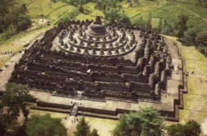 Основание храма Боробудур