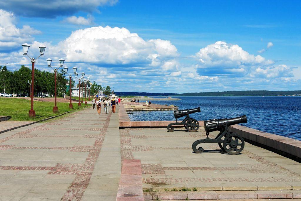 Онежская набережная в Петрозаводске