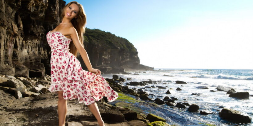 Девушка в цветочном платье