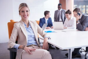 Как одеться деловой женщине на встречу