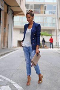 Деловой стиль с джинсами