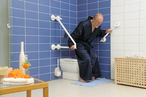 Как выбрать поручни для пожилых людей
