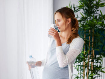 Важность правильного употребления воды во время беременности