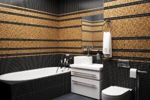 Ванная с отделкой мозаикой