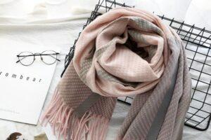Законы композиции в кашемировых шарфах