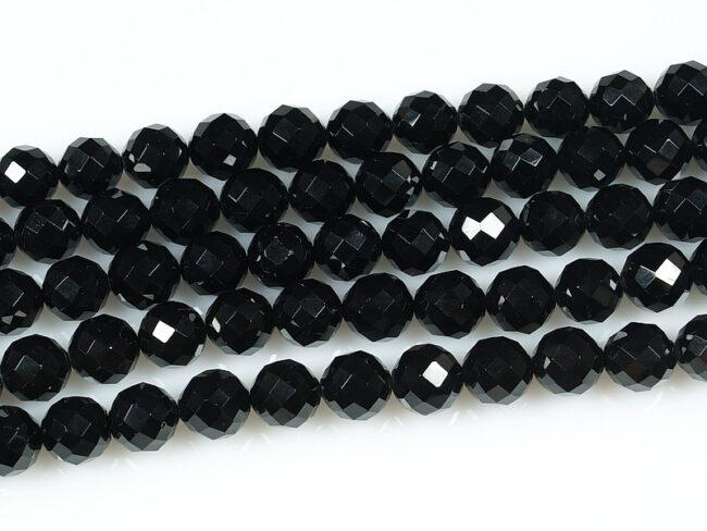 камень черная шпинель