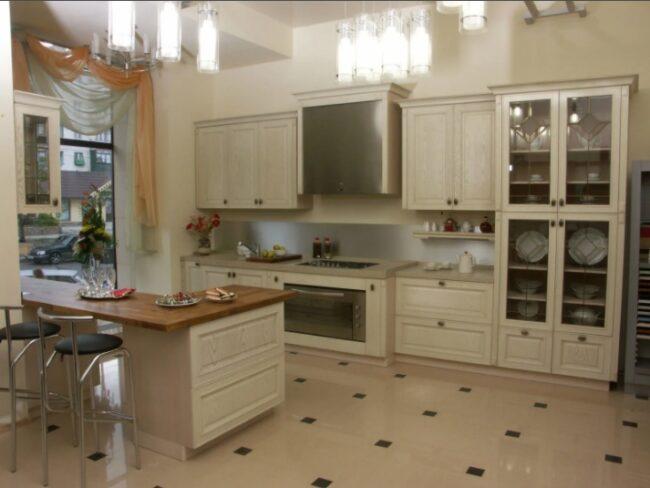 кухня из беленого дуба
