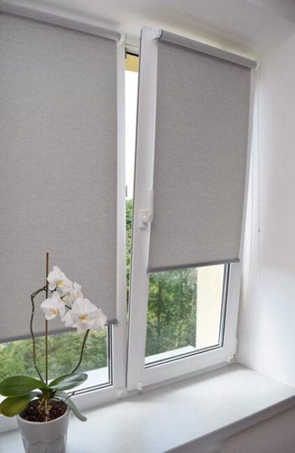 установка рулонной шторы на створку окна